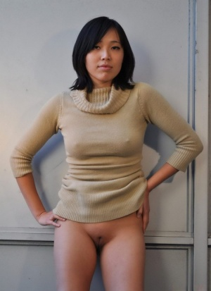 Oriental amateur hikes her dress over her head and just like she is naked