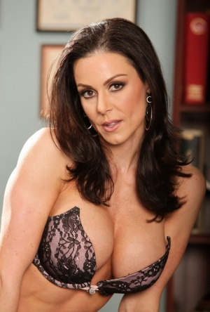 Busty MILF Kendra Lust bends over in black stockings for doctor's examination 15982950