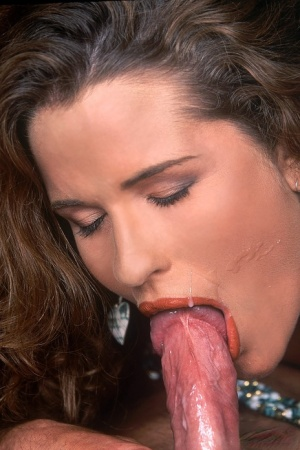 Horny 70s female Gabrielle Scream ends up with mouthful of cum after anal sex