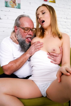 White girl Kiki Cyrus kisses her old lover before sexual intercourse on a sofa