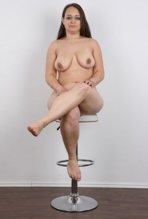 Chubby Czech mature woman Helena gets naked at the castings