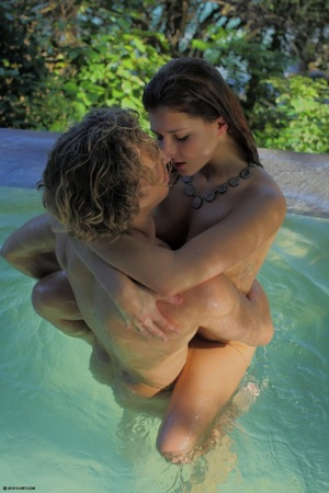 Beautiful Leah Gotti gets a hot finger fuck and ass licking in the pool