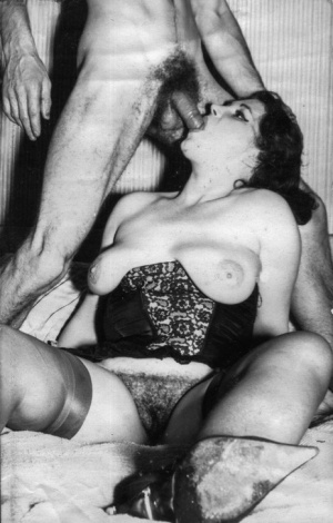 Horny vintage sluts sucking cock and getting their twats rammed hard