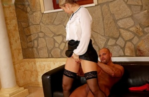 Classy female pisses on her personal trainer and the watersports games are on