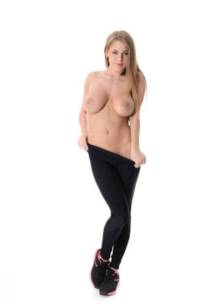 Natural blond Viola removes spandex workout attire to get totally naked