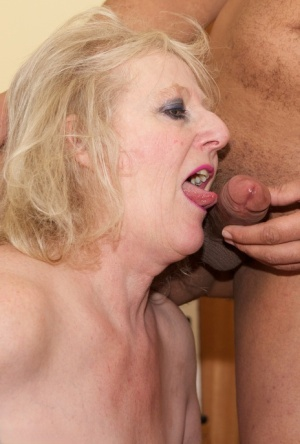 Blonde oma Claire Knight goes pussy to mouth with her younger lover
