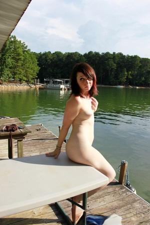 Amateur chick Cheyenne poses for homemade nudes at the local marina