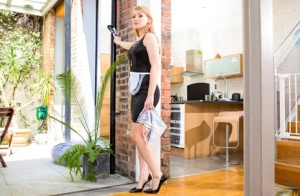 Blonde wife Lucy Heart goes P2M with her hubby after doing kitchen duty 75313630
