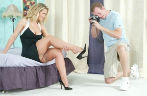 Blonde with a big butt takes a cumshot on soles of FF hosiery after fucking 80050407