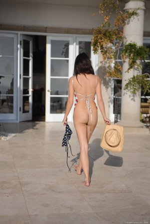 Glamour model Angelina removes her USA themed swimsuit to pose in the nude