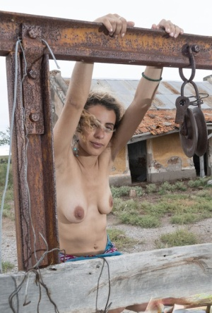 First timer Lula shows her spread bush on top of a closed well