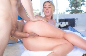Blonde fitness fanatic takes a thick cock in her ass after sweaty workout