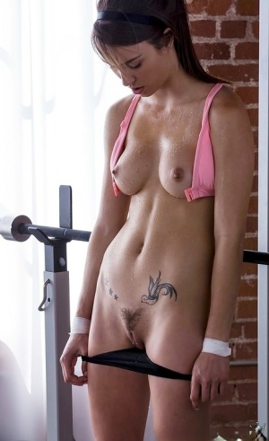 Ripped females eat ass and pussy after a sweaty workout session 87672770