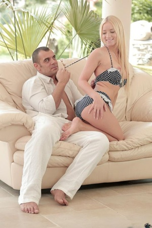 Kiara Lord offers up sexy ass for hardcore doggystyle fucking