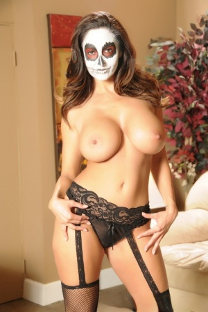 Solo model Ava Addams flaunts her nice melons with her face in makeup 51610439
