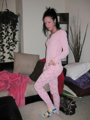 Dark haired amateur poses for a variety of clothed and nude shots 37952743