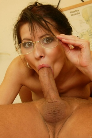 Petite woman Victoria Rose leaves her glasses on while having sex 91747069