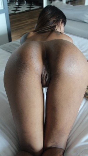 Thai chick with a nice smile and butt gets naked before POV fucking
