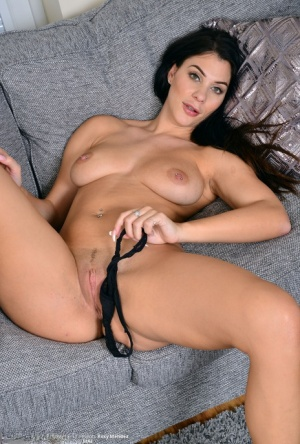 Dark haired UK MILF Roxy Mendez frees her great 30 plus bod from clingy attire
