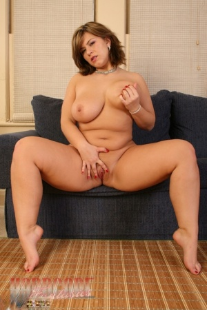 Amateur BBW Heavenly Smut plays with her nipples and pussy while butt naked 79701497