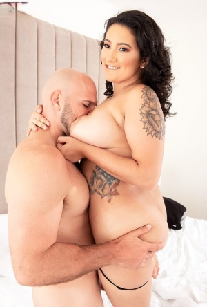 BBW Christy Sparks spies her guys boner upon waking before they fuck 25252039