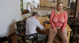 Blonde BBW Krystal Swift gets banged over a dining table after seducing a man 34765458
