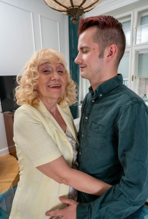 Blonde granny has sex with her young tenant in lieu of making a rent payment 60971153