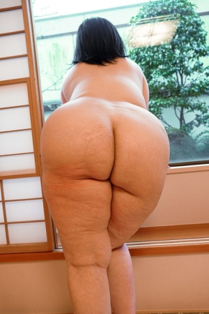 Overweight mature Asian amateur models in her underwear after POV sex
