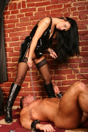 Dominant woman Vivian rides her male slaves face after inserting a vibrator