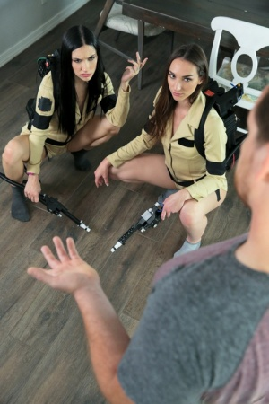 Young girls Jazmin Luv  Andi Rose don ghost hunting outfits before BGG sex