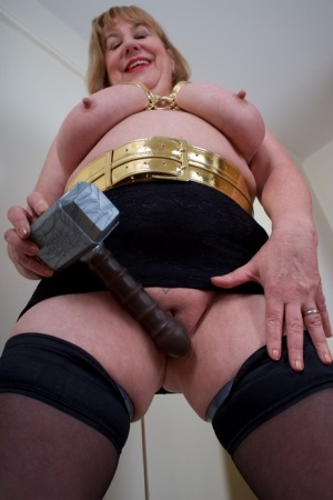 British amateur Speedy Bee toys her snatch in stockings and black boots