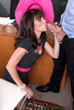 Mature wife Sage Quest has sex with a younger employee of her husbands 41158239
