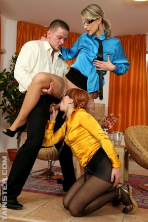 Fully attired business women get pissed on during watersports threesome 48787540