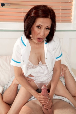 Hot granny Kim Anh spoons with a hung male patient in the hospital 43633335
