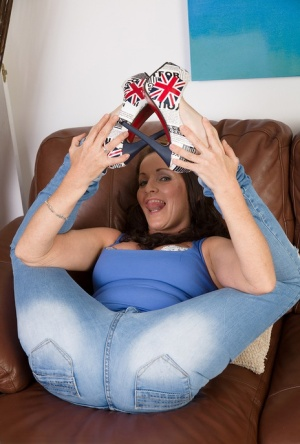 Sexy MILF Marlyn undressing to toy with high heel  stretch pussy wide open