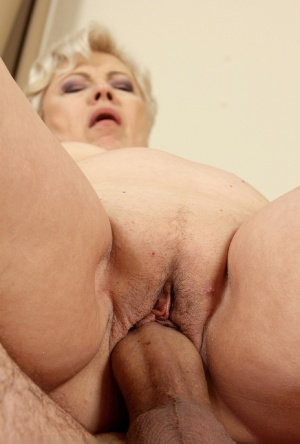 Horny grandma delivers a ball licking blowjob prior to fucking 28578258