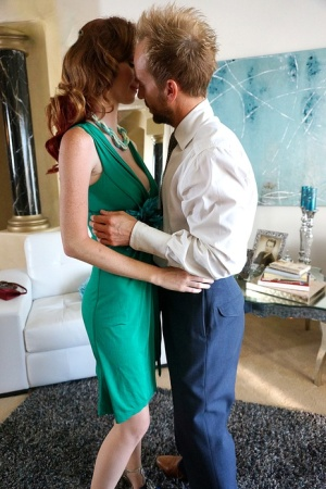 Pinup model Dee Dee Lynn makes her hardcore porn debut with Ryan Madison