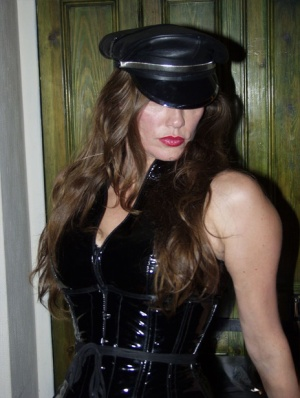 Mature woman Strapon Jane is ready to fuck while attired in latex fetish wear