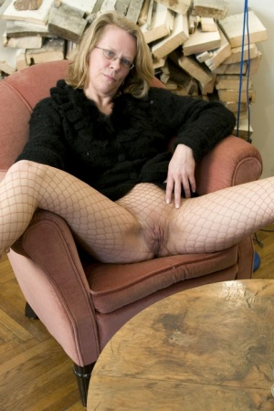 Mature granny Marga still feels the need to toy her horny old pussy 55667324