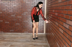Brunette chick gets covered in huge amounts of jizz at a gloryhole