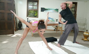 Sporty sweetie with petite curves gets feverishly fucked by her coach