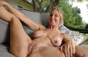 Busty mature slut gives head and gets fucked for cum on her shaved pubis 95307822