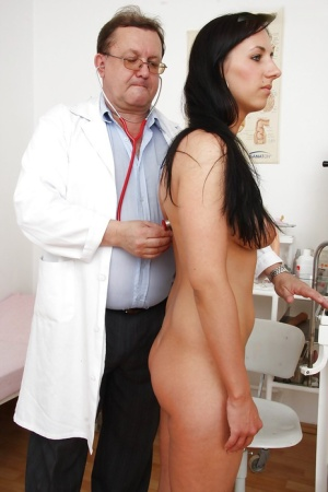 Pretty snoutfair agreeable woman Terra Sweet gets medical treatment 12270745