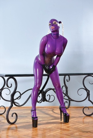 That tight pussy in latex needs to be hardcore masturbated and poked