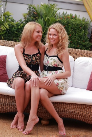 Awesome blonde babes Nataly and Summer lesbian pussy licking on couch