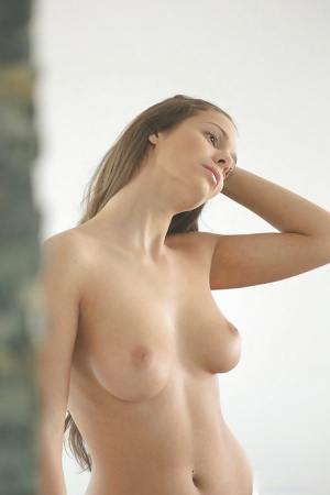 Sweet and young Lia Taylor wants to play with her pussy today 75496399