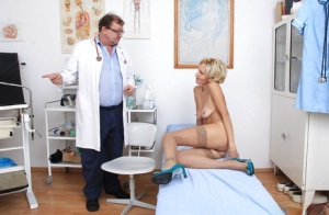 Mature beauty Sava reveals her pussy while going through a check at her doctor 30602242