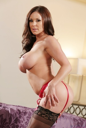Beauty milf Kendra Lust pose naked and play with her big boobies 53421222