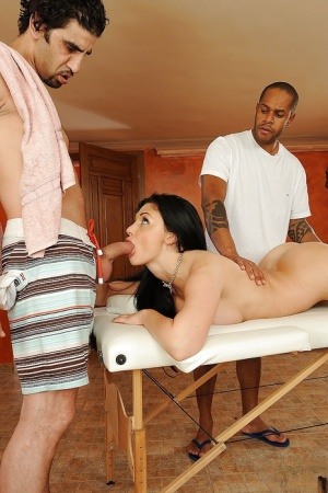 Pornstar Aletta Ocean is sucking a cock and pushes it in her butthole 61518346