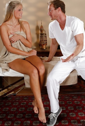 Fascinating blonde woman Scarlet Red thanks masseur with blowjob